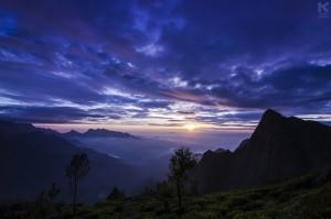 Sunrise at Kolukkumalai, the World's highest tea plantations