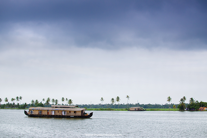 Houseboat at Punnamada Lake, Alappuzha